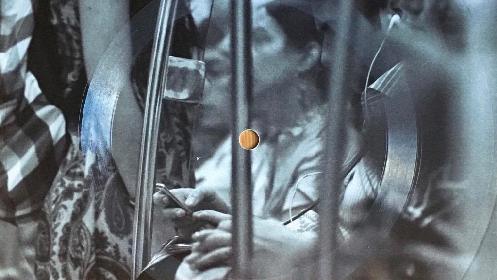 Eine Postkarte von Emapea und Cold Busted