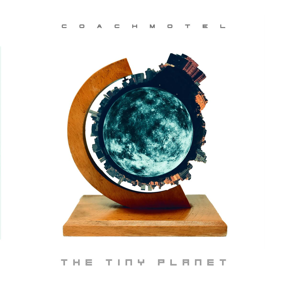CoachMotel - The Tiny Planet