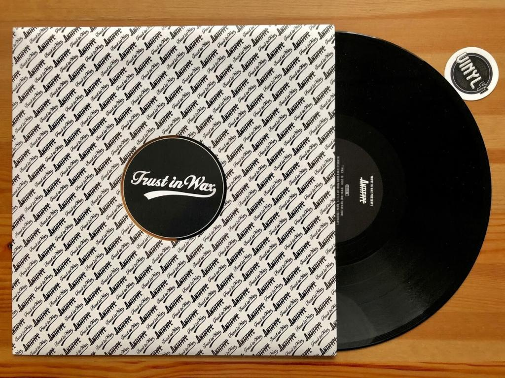 atwashere-feat-morina-miconnet-take-a-look-vinyl-a